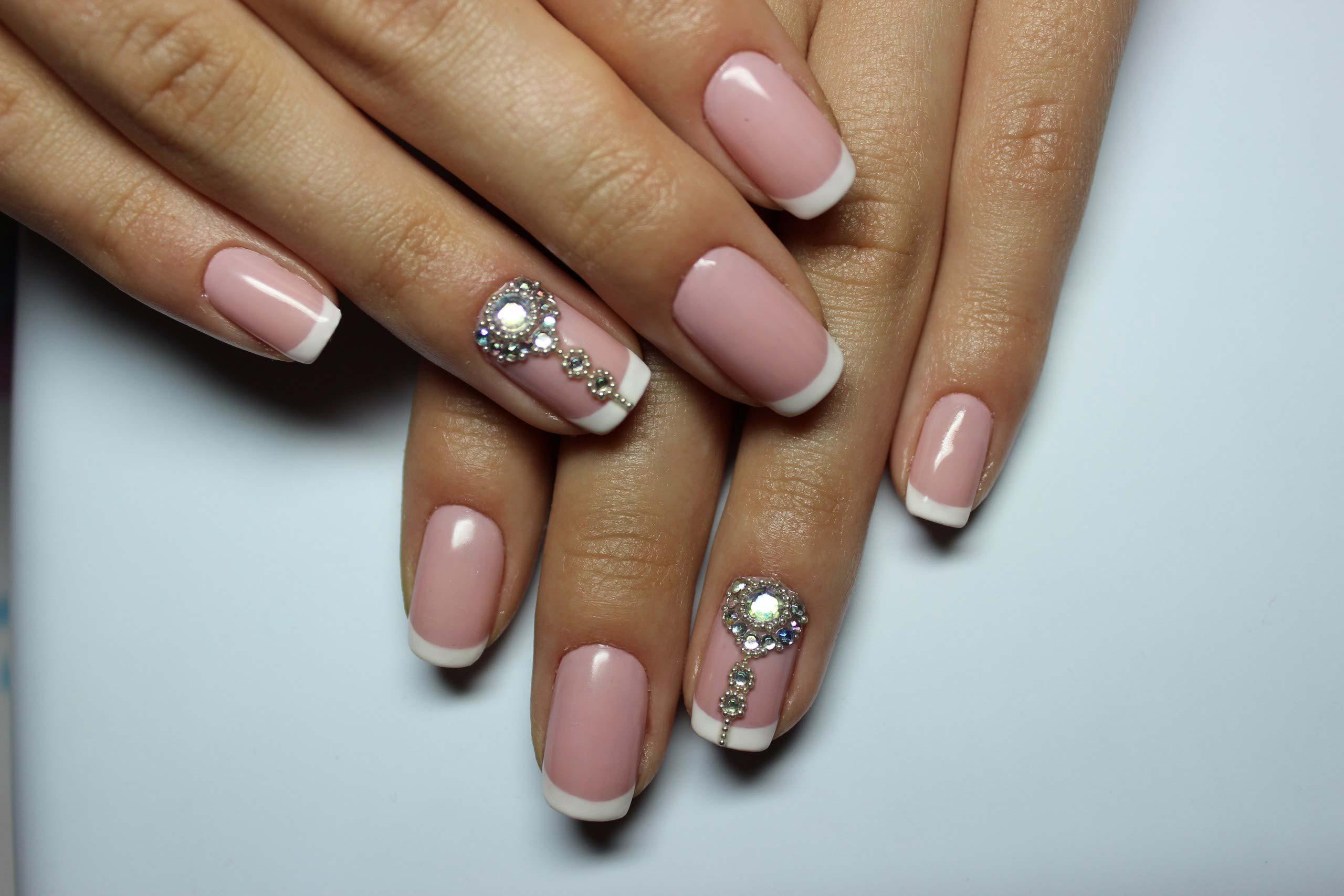 Стразы на ногтях дизайн на френче руках