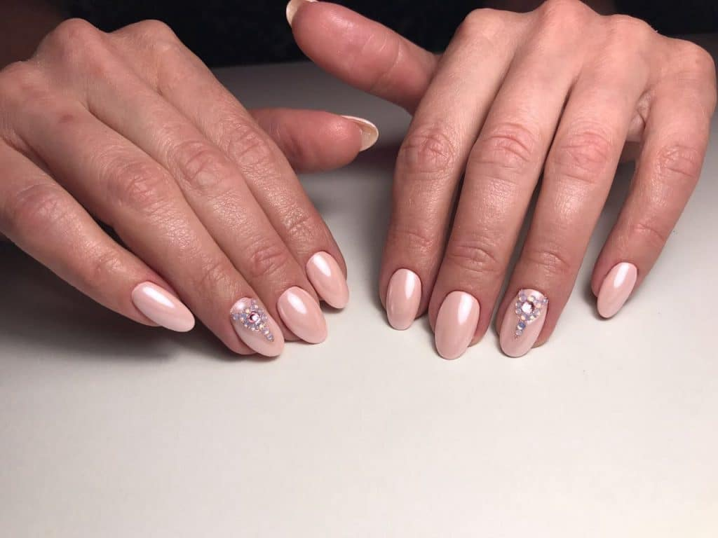 Картинки узоров для ногтей для начинающих прическу