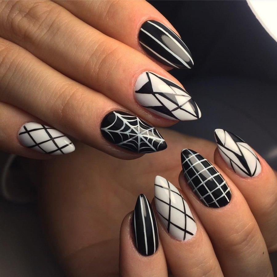 Геометрический рисунок на ногтях фото новинки