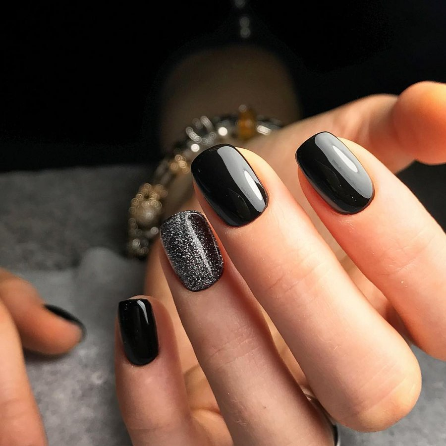Черный маникюр - 75 фото идеи дизайна ногтей в черных тонах