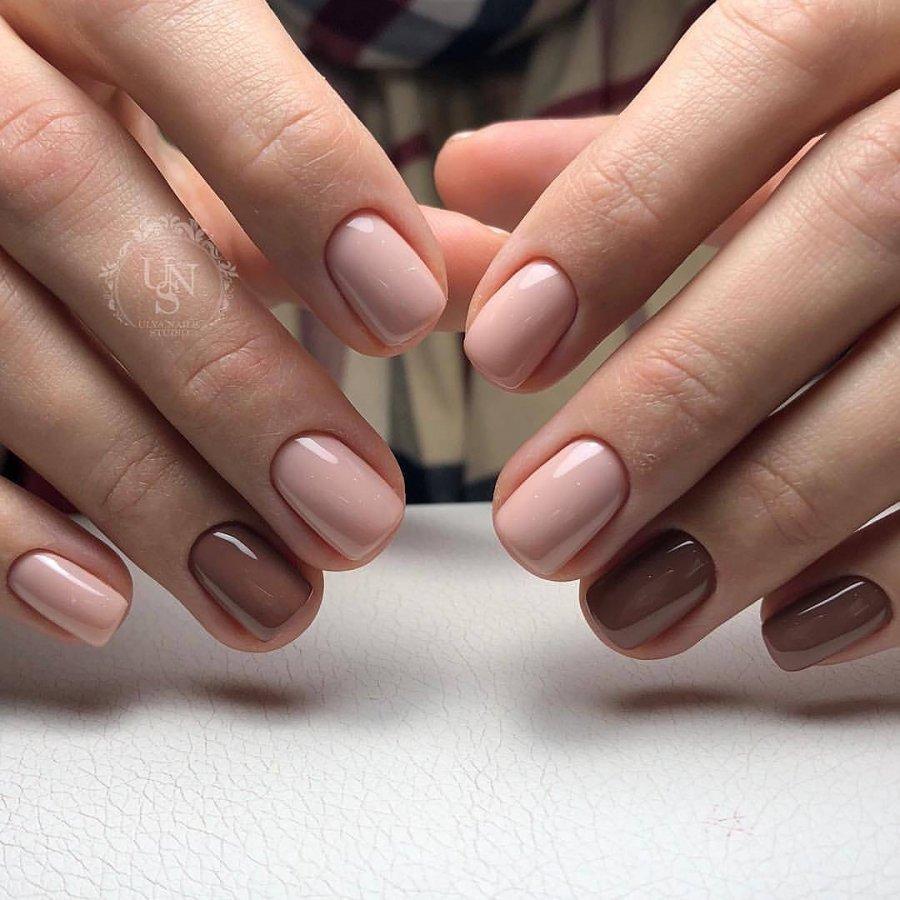 Маникюр на короткие ногти в нюдовых тонах (20 фото)