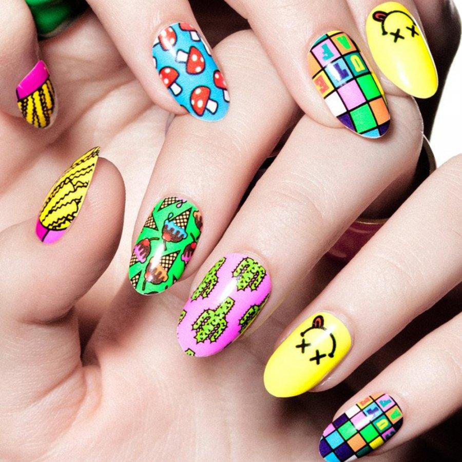 Оригинальный дизайн ногтей с фото для лета