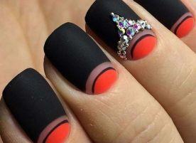 Треугольный френч на квадратных ногтях